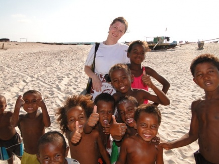 Anne Christine jobber med mange spennende temaer, bl.a. internasjonale fiskeribistandsprosjekter. Her er hun i Madagaskar.