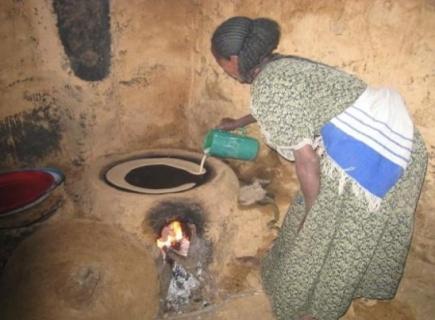 Baking av injerapannekake i Etiopia.