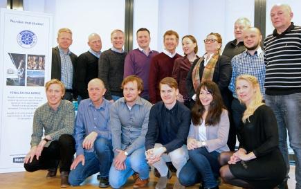 Masterstudenter ved NMBU Handelshyskolen gir gode forretningsrd til Fenalr fra Norge.