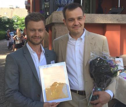 Forsker Nikolai K. Winge fra NMBU og universitetsbibliotekar Sverre Tuseth Universitetet i Oslo vant Universitetsforlagets lrebokpris 2014.