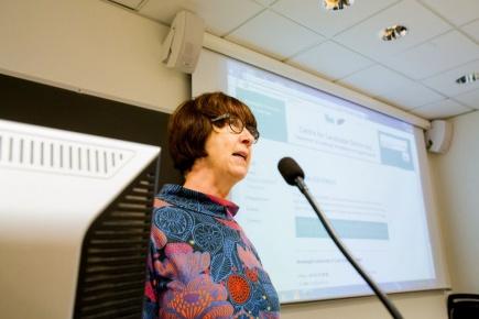 Shelley Egoz, leder for det nye forskningssenteret innen landskapsdemokrati (CLaD) og professor ved ILP, ledet CLads lanseringsseminar.