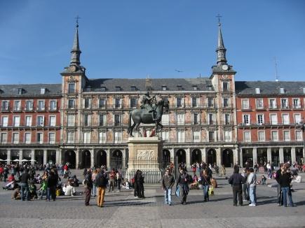 Blant UMBs samarbeidsuniversiteter i Madrid er det blant annet tre som befinner seg i hovedstaden Madrid. Her fra Plaza Mayor, Madrid.