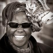 Wangari Maathai ble utnevnt som resdoktor ved Norges landbrukshgskole i 1997. I 2005 var hun p besk ved UMB. Bildet er tatt under dette besket.