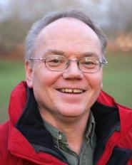 Professor Arne Tronsmo tror middelet vil vise seg srdeles effektivt mot sopp p frukt og br.