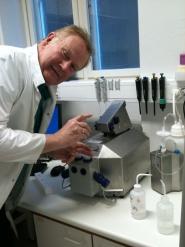 Erik Slinde studies mitochondrial respiration