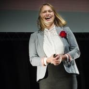 Julie Fske Johnsen fra Norges veterinrhgskole gikk videre til den nasjonale finalen i Forsker grand prix i 2013..